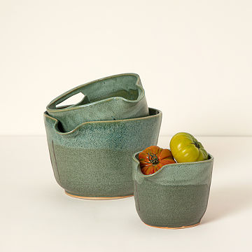 Nesting Stoneware Mixing Bowl Sets